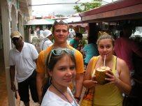 Levee, Maddie, Hannah in St Maarten