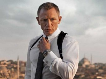 james-bond-wearing-an-omega-watch